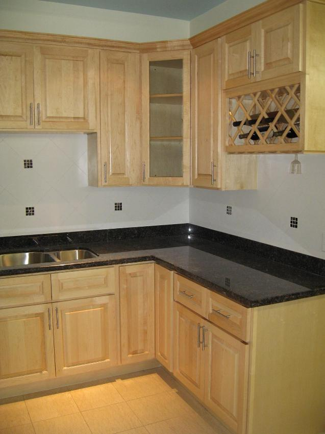 RTA Cabinet Broker 2P Natural Canadian Maple 200 Kitchen Cabinets