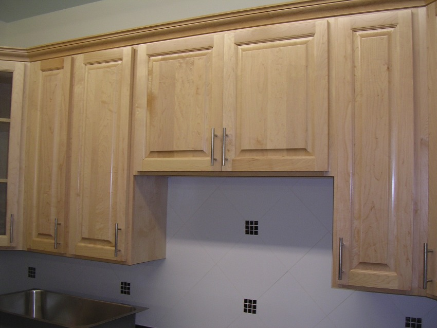 RTA Cabinet Broker - 2P Natural Canadian Maple 200 Kitchen