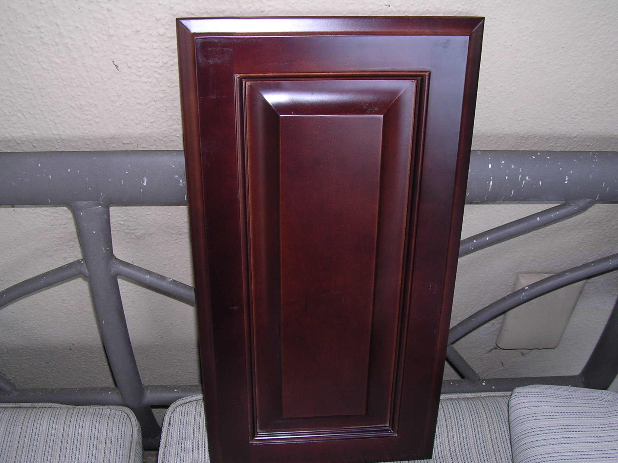 Rta Cabinet Broker 2v Red Mahogany Color Maple 202rm