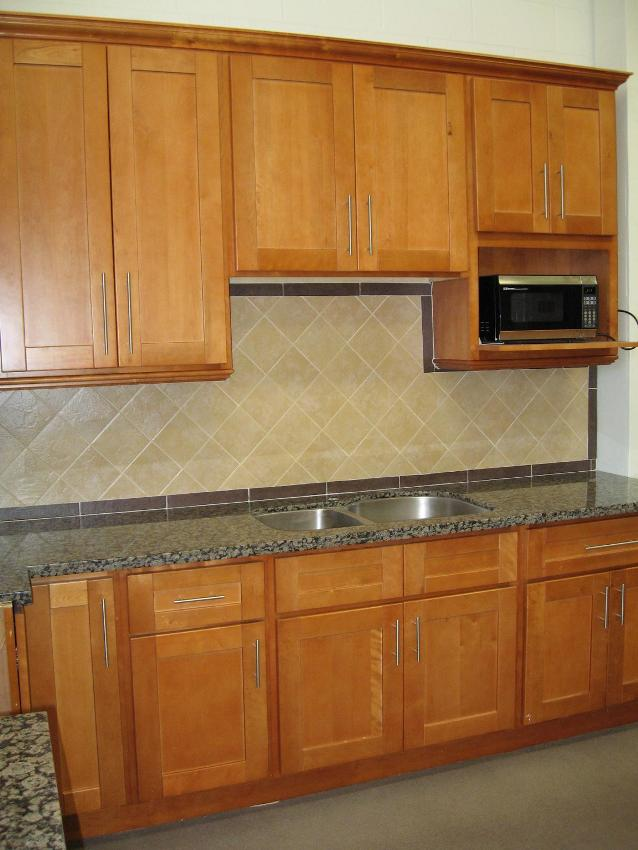Maple Shaker Kitchen Cabinets rta cabinet broker - 1r honey maple shaker 908 kitchen cabinets