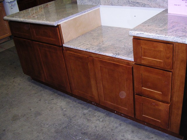 RTA Cabinet Broker - 1T Honey Oak shaker Kitchen Cabinets